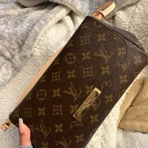 Louis Vuitton favorite MM purse